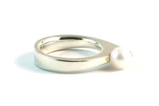 Pearl 2, 2011, 925 silver, pearl
