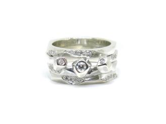 Greta Gets Me, 2015, diamonds, 925 silver