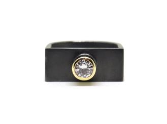 Art For An Artist, 2013, diamond, 9ct yellow gold, black rhodium-plated silver