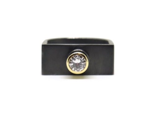 Art For An Artist, 2013, diamond, 9ct yellow gold, black rhodium-plated silver