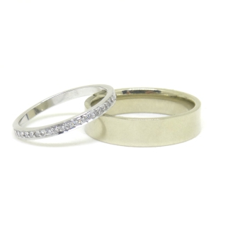 Shake and Bake, 2015, 14kt white gold, diamonds