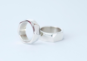 his and hers thick facet bands 72 dpi